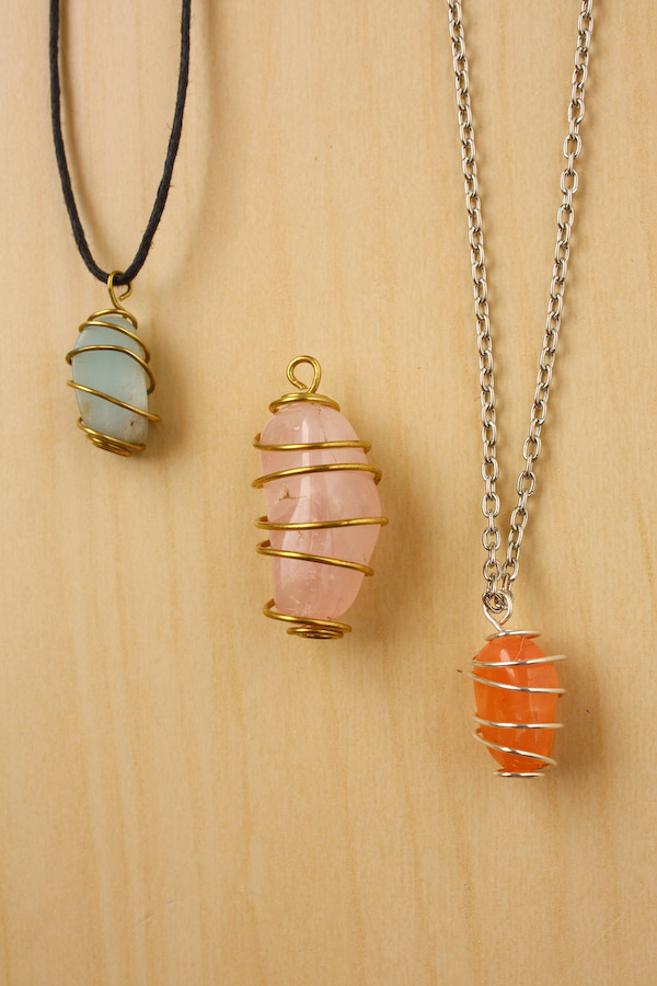 How To Wire Wrap A Stone Spiral Cage Method